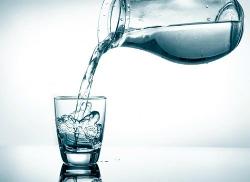 Seberapa Banyakkah Anda Harus Minum Air Dalam Sehari?