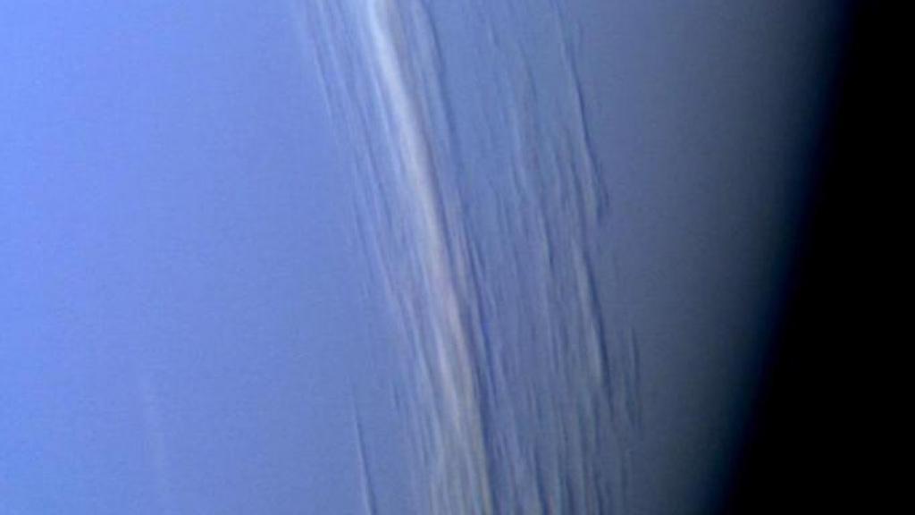 Superionic Water Ice : Bentuk Materi Baru yang Dapat Ditemukan di Uranus dan Neptunus