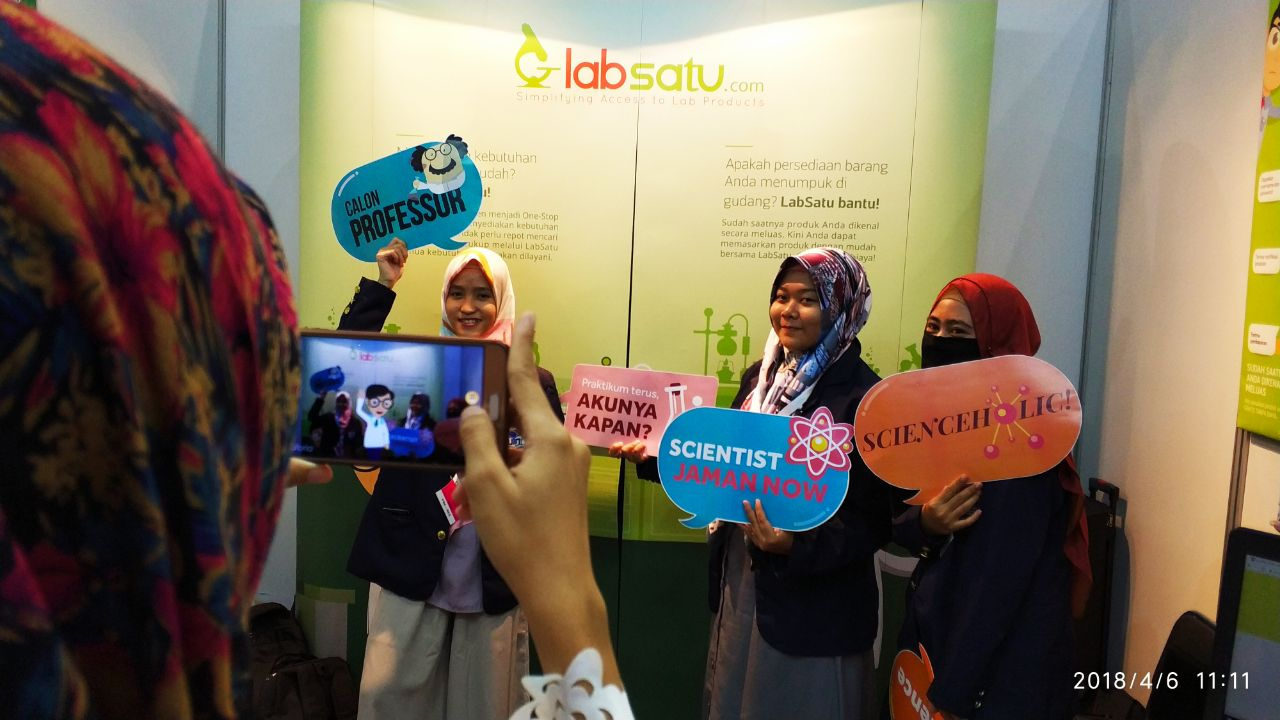 Mencicipi Teknologi Augmented Reality ala LabSatu di Event Lab Indonesia 2018